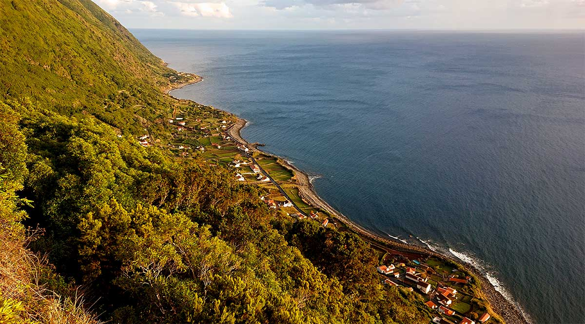 Fajã dos Vimes, na ilha de São Jorge nos Açores